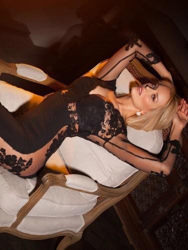 Sex advertentie van escort Flora (27) in Amsterdam - Foto: 3