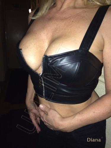 Sex advertentie van MILF escort Diana (48) in Rotterdam - Foto: 1