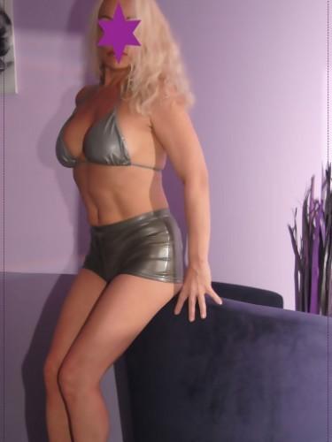Sex advertentie van MILF escort Diana (48) in Rotterdam - Foto: 3