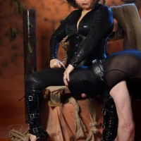 Domination Palace - Sex advertenties sex clubs - Meesteres Samantha