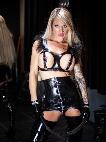 Sex advertentie van kinky meesteres escort Calea Toxic in Almere - Foto: 2