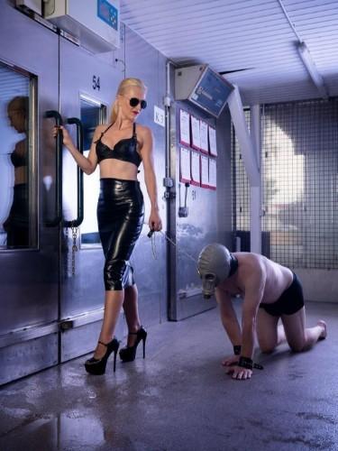 Sex advertentie van kinky meesteres escort Agonia (33) in Almere - Foto: 1