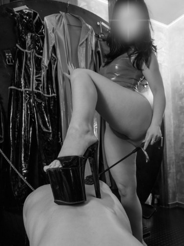 Sex advertentie van kinky meesteres escort Isabella (25) in Den Haag - Foto: 5