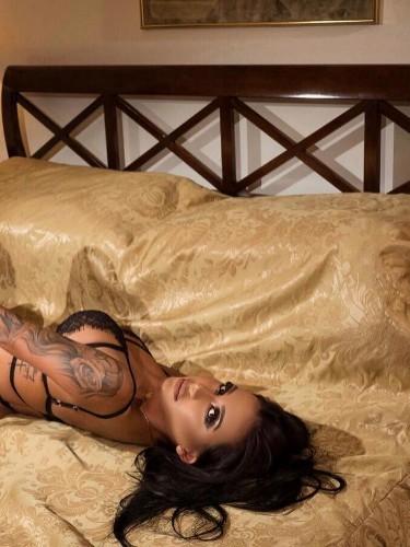 Sex advertentie van escort Amira (23) in Den Haag - Foto: 3