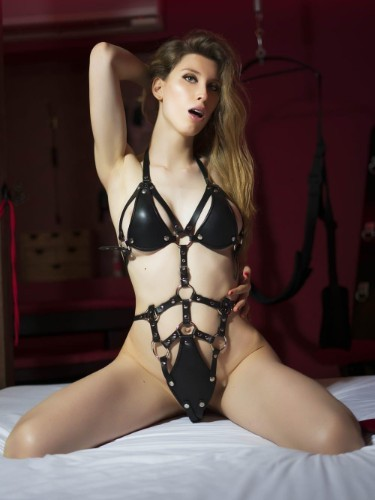 Sex advertentie van kinky escort Noadomina (21) in Amsterdam - Foto: 7